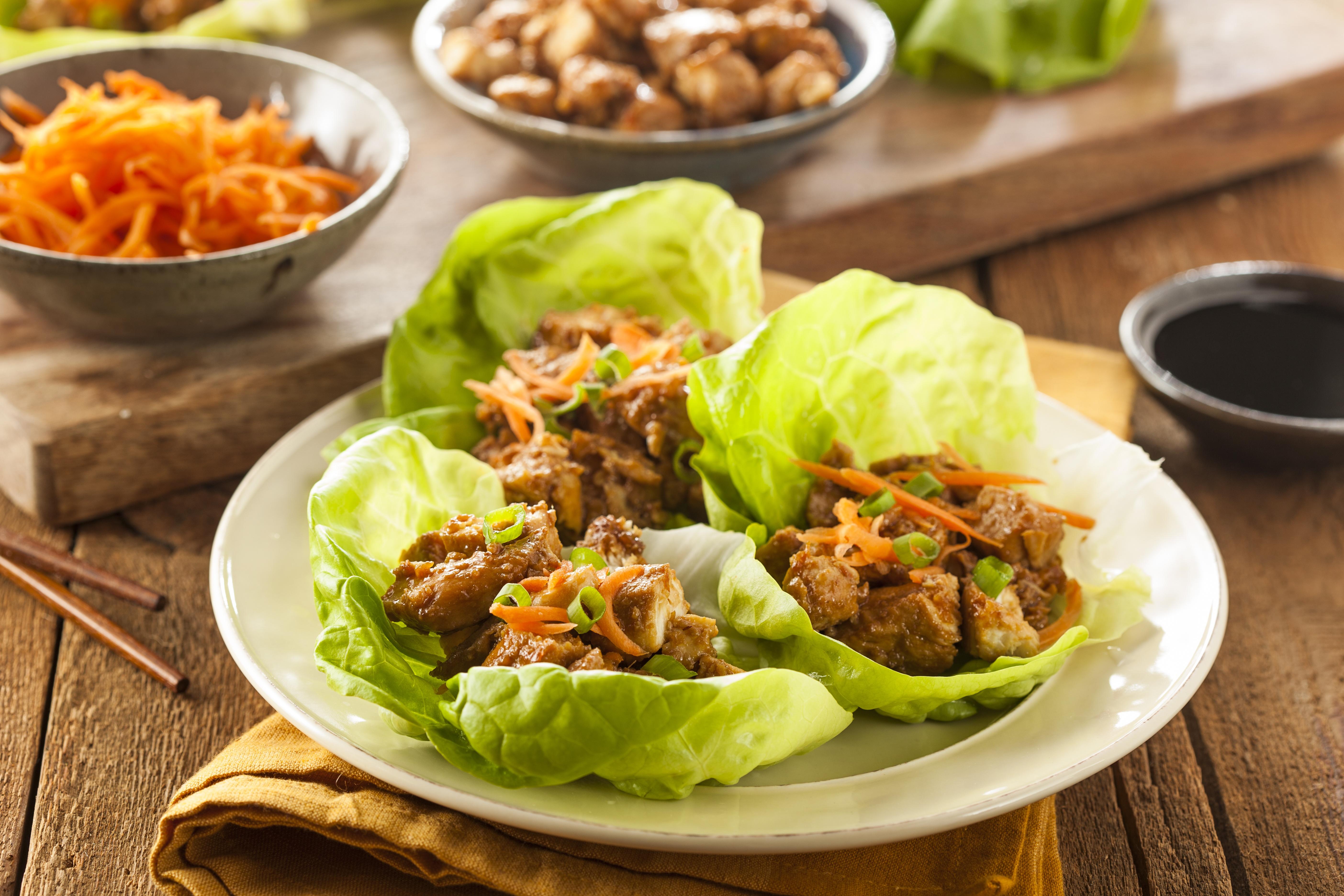 chicken-lettuce-wraps_184944584.jpeg