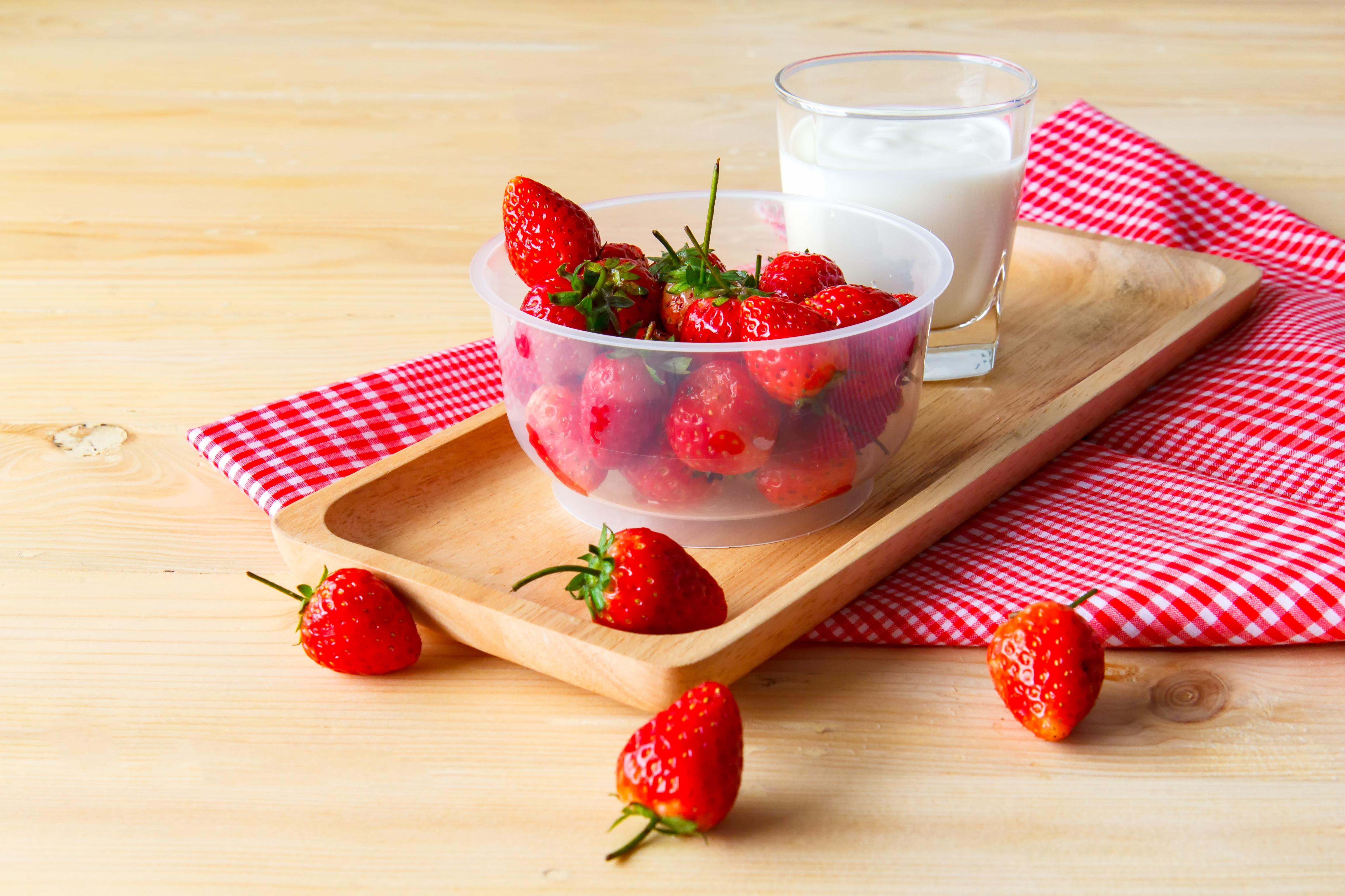 "Featured Recipe: ""Cheez"" Cake Fruit Dip"